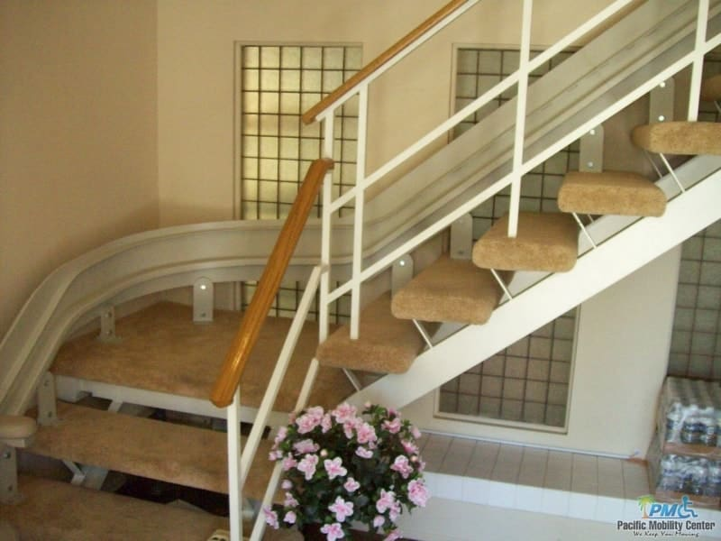 Stand-Up or Sit-Down Stairlifts: A Comparison